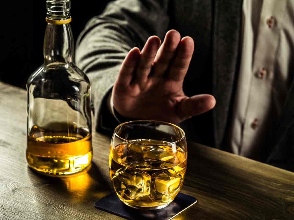 Am I An Alcoholic? Signs of Alcoholism and How to Get Help